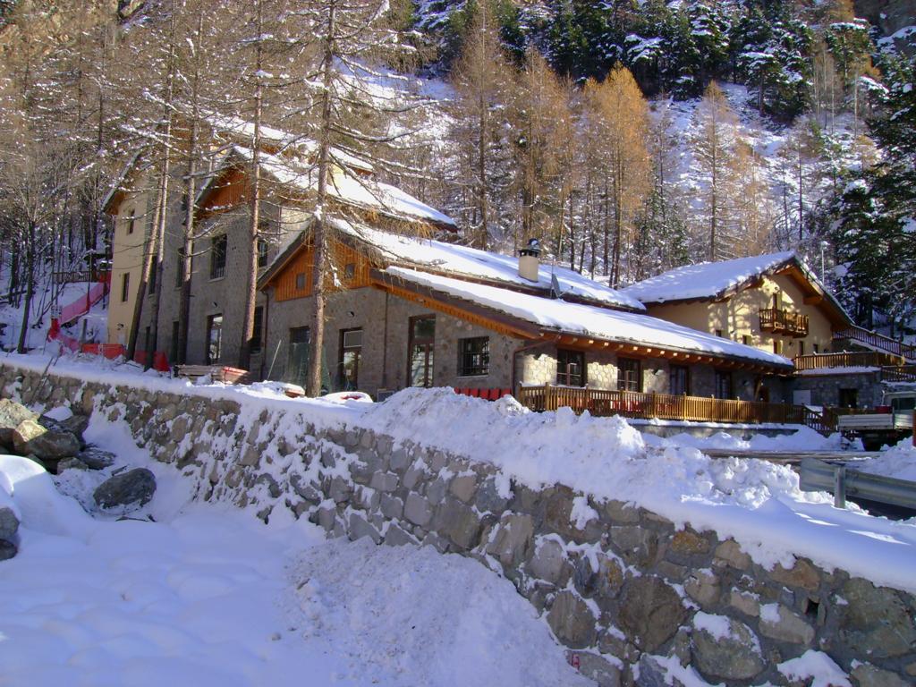 La Ciamusira vista con neve