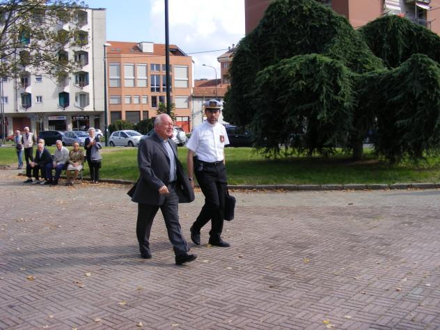 Ingresso don Nino Olivero a Torino